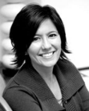 Karin Mynt Headshot